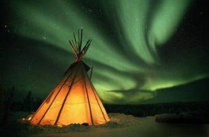 Il fantastico effetto dell'aurora boreale ( polare ) 2