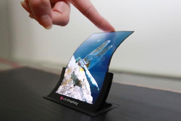 LG presenta il pannello da 5 pollici infrangibile e flessibile OLED 1