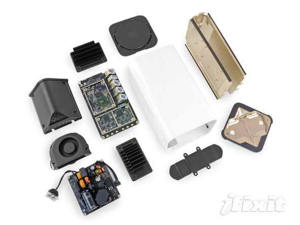 iFixit smonta l' AirPort Extreme 1