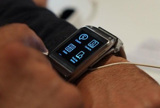 Samsung-Galaxy-Gear-05-620x419