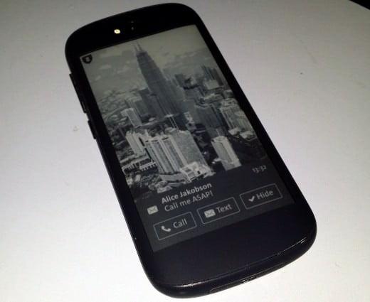 YotaPhone 2 in arrivo il 3 dicembre 1