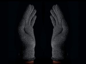 double-layered-touchscreen-gloves-005