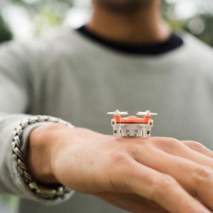 BuzzBee - Il nano drone più piccolo al mondo 6