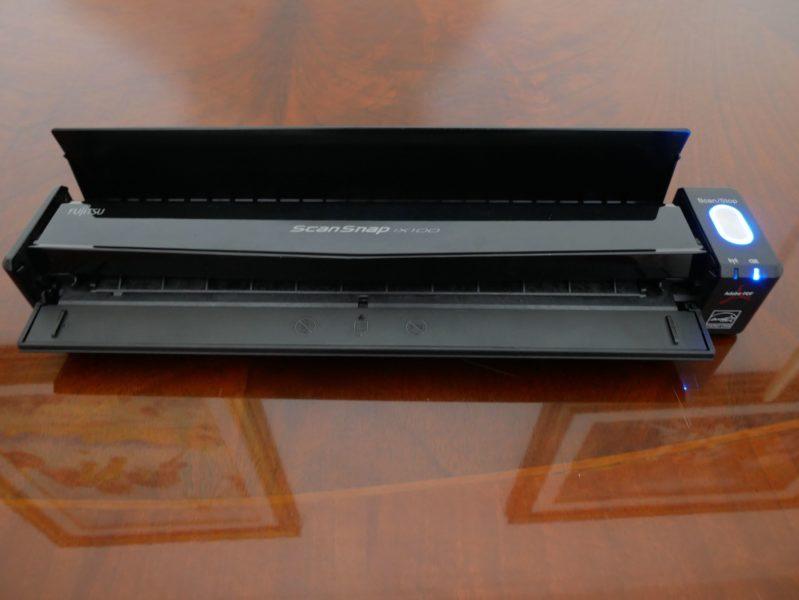 """Recensione Fujitsu ScanSnap ix100, scanner """"tascabile"""" anche per iPhone 5"""