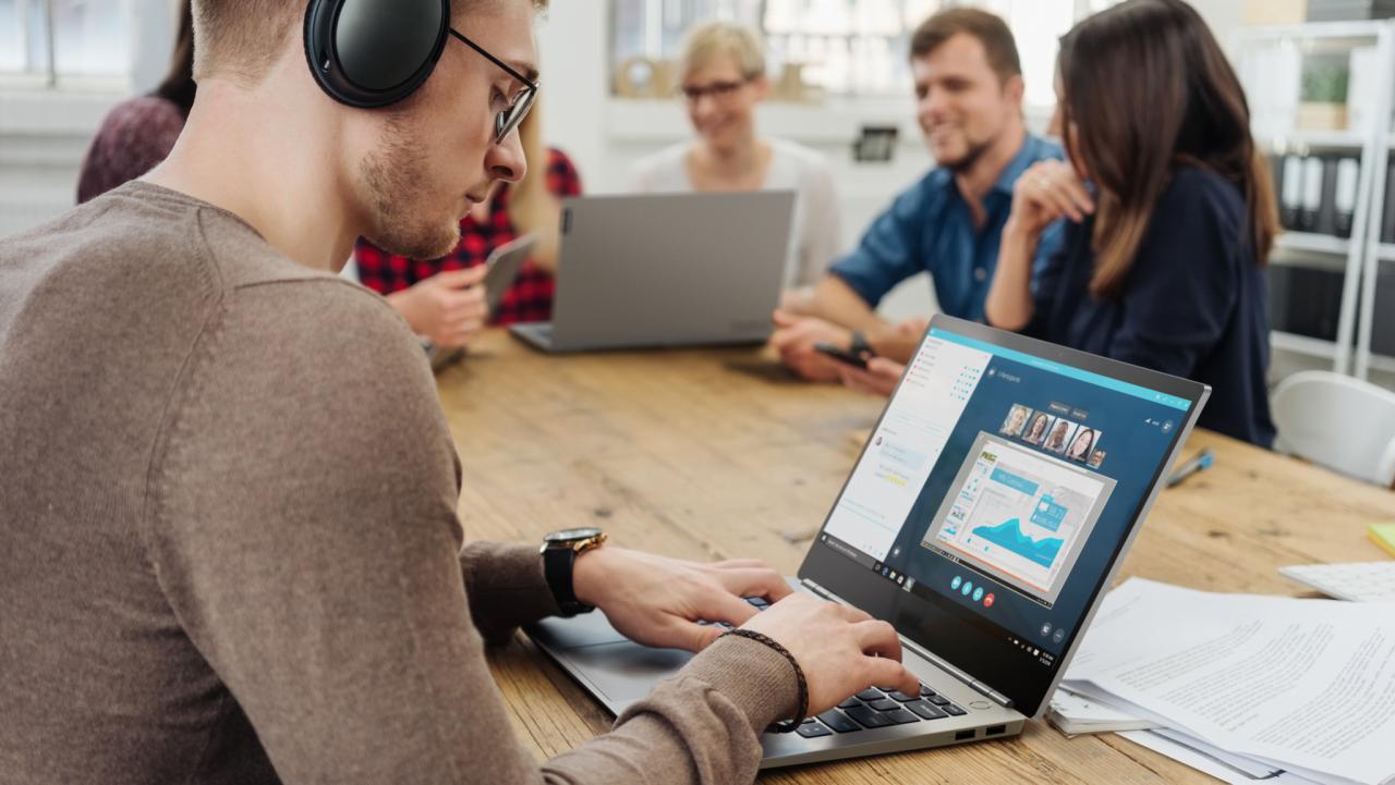 Lenovo presenta i nuovi dispositivi e i servizi per le aziende. Arriva ThinkBook 4