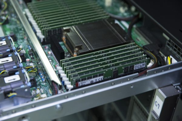 Kingston Technology presenta le memorie Registered DIMMs DDR4-3200 per processori AMD EPYC di 2° generazione 1