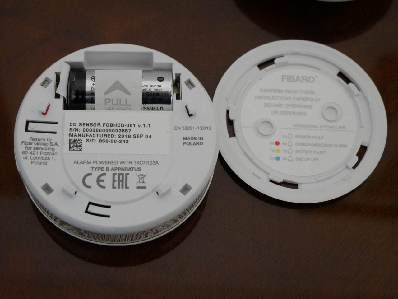 Recensione FIBARO Flood Sensor e CO 10