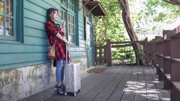 """Xiaomi porta in Italia Metal Carry-on Luggage 20"""" e detta nuove regole per viaggiare con stile 1"""