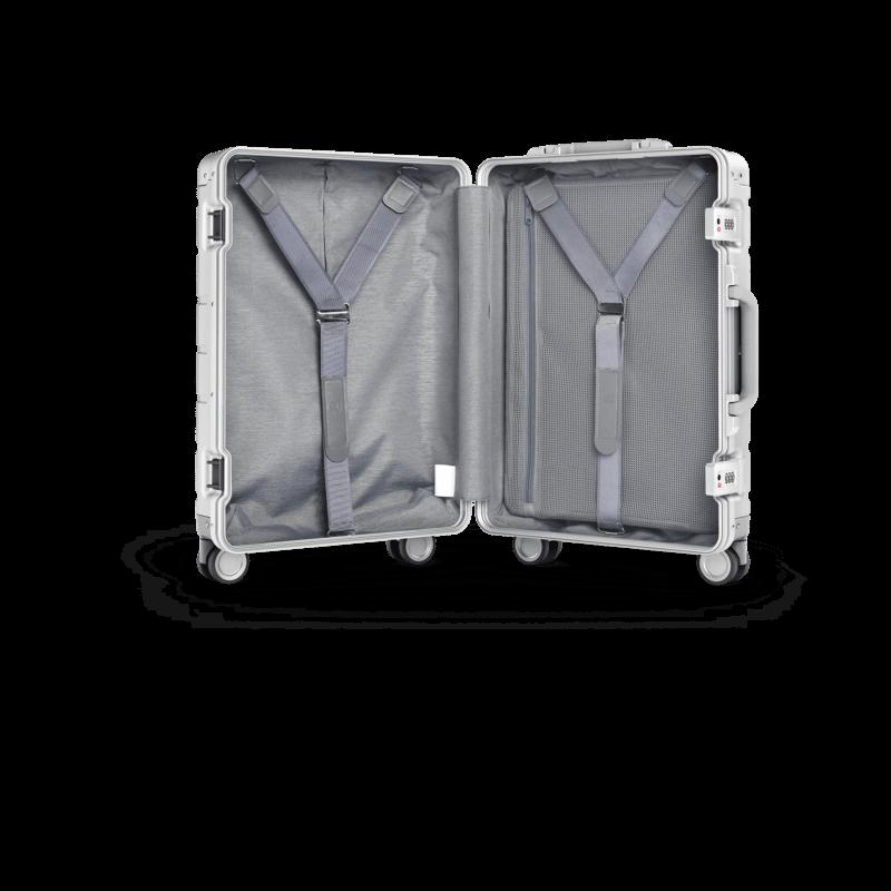 """Xiaomi porta in Italia Metal Carry-on Luggage 20"""" e detta nuove regole per viaggiare con stile 3"""