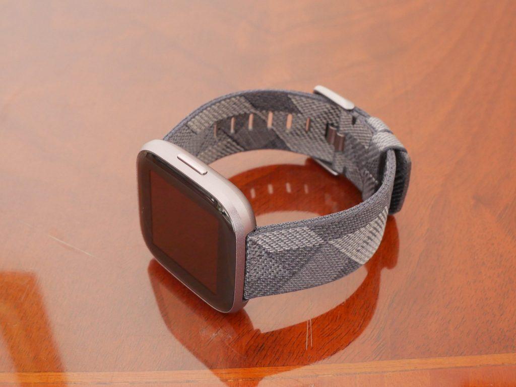 Recensione Fitbit Versa 2: quando Alexa si mette al polso 5